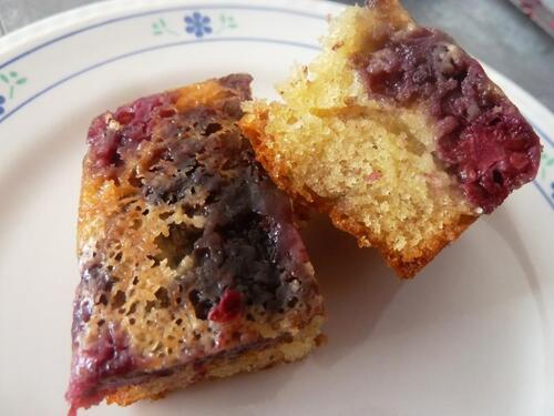 Moelleux extra amande fruits rouges sans beurre, peu sucré