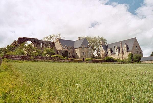 Abbaye de Beauport dans les côtes d'amore