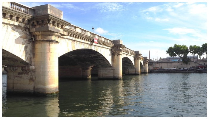 Pont de la Concorde. Paris.