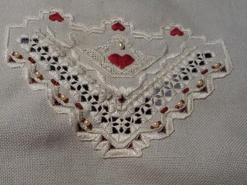 Les poches perlées de Chantilly