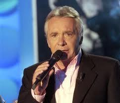 Il chantera avec Michel Sardou et Lynda Lemay