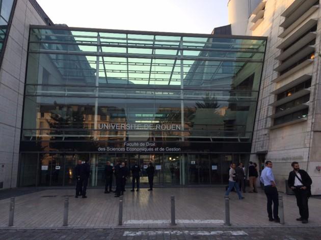 La faculté de droit de Rouen (Seine-Maritime), a été évacuée mercredi 21 septembre 2016. (©FM/Normandie-actu)