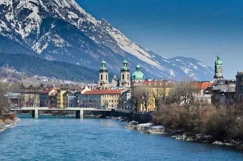 EUROPE. TOP 100 PLACES TO VISIT  (Voyages)