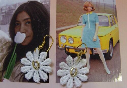 Parure de bijoux en dentelle des années 60
