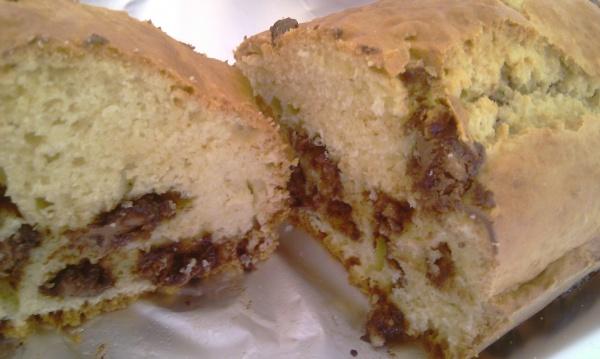 Cake aux amandes et aux pépites de chocolat croustillantes