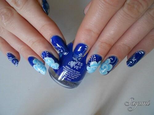 Nail Art Roses Hivernales