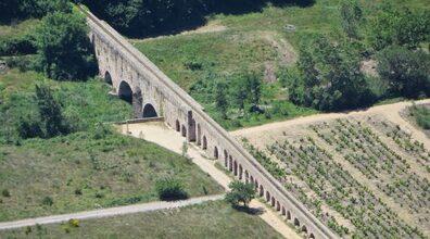 Curiosités – L'aqueduc d'Ansignan – Bienvenue dans l'univers de Frigoulette