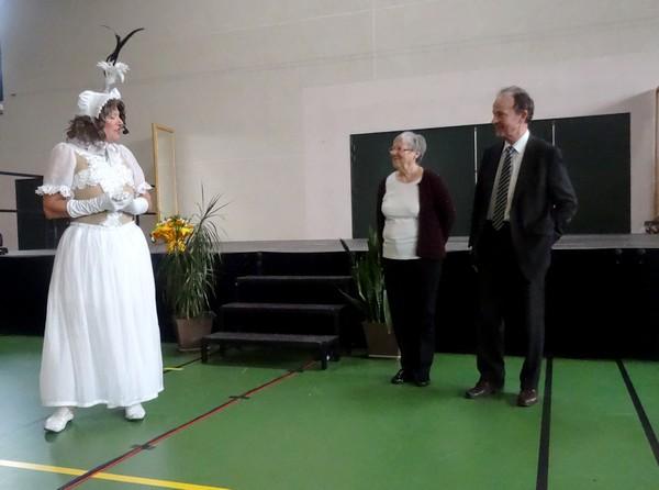 """""""Infinity"""", une merveilleuse revue du cabaret Odysséo de Plombières les Dijon, a été offerte aux aînés, par la Municipalité de Châtillon sur Seine..."""