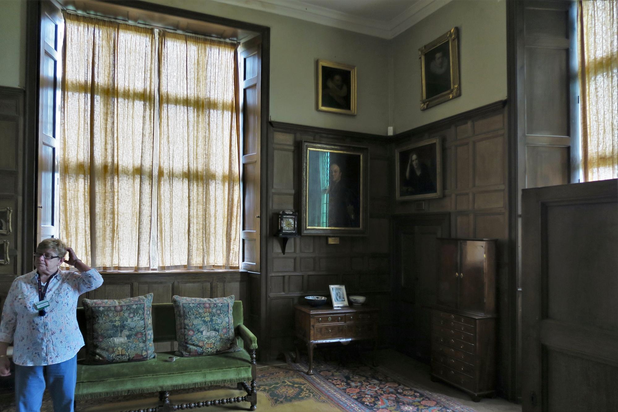 MONTACUTE. La chambre de Lord CURZON.