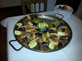 Paella pour 100 personnes