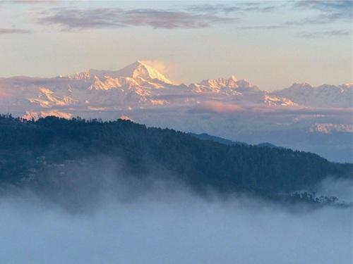 lever de soleil sur l'himalaya