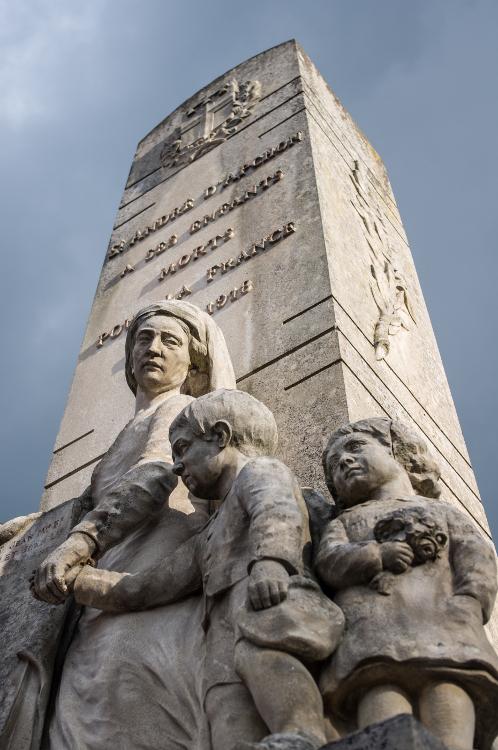 Monuments aux morts en Roannais #13, Saint-André d'Apchon, avril 2014