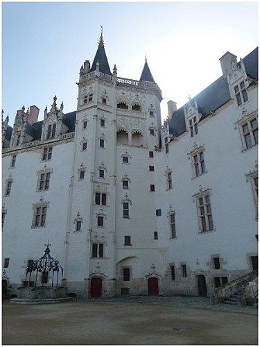 cour du chateau Nantes