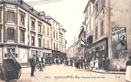 1904- MANTES la Jolie, La Rue Thiers et la Poste