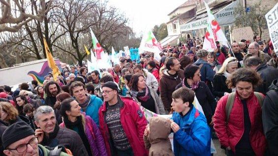 Gaz de schiste : plus de 10 000 manifestant-e- à Barjac