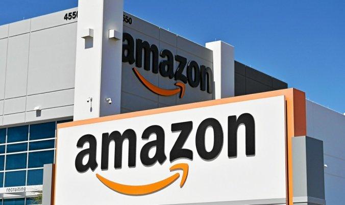 Vente en ligne: que pèse Amazon en France?