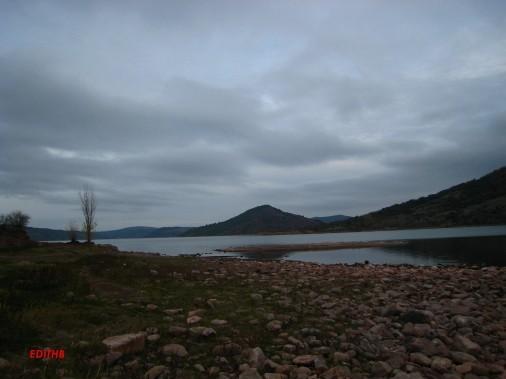 lac du salagou (1)