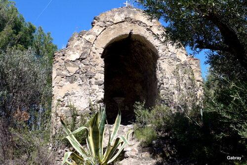 Cases de Pène: randonnée à l'ermitage!