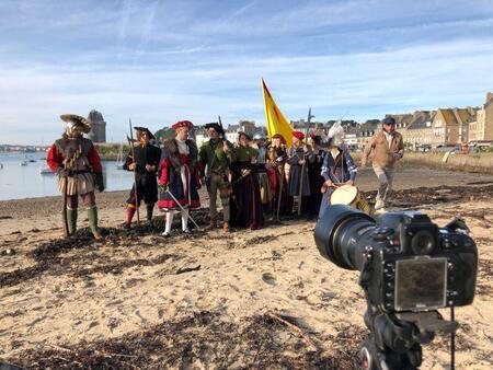 Dans les coulisses d'une reconstitution historique à Saint-Malo