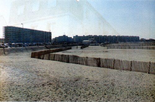 La plage et la digue Gaston Berthe