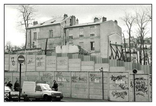 Retour rue de la Cloche.