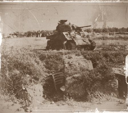 sherman detruit rennes 1944