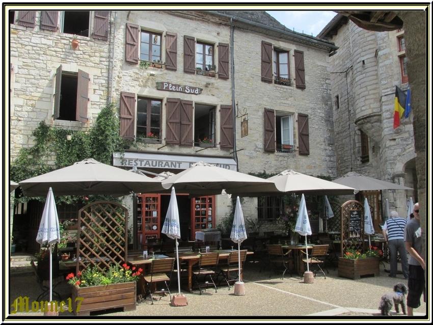 Une petite suite dans le village de Martel (Lot)