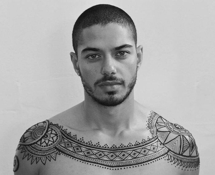 Menna-les-tatouages-au-henne-pour-homme-13 Menna - les tatouages au henné pour homme