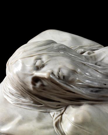 Le voile qui dévoile en sculpture - entre esthétique et prouesse technique