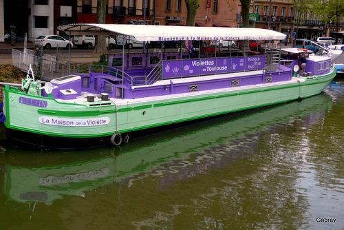 Toulouse: le Canal duMidi …