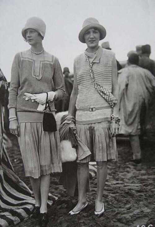 "Le grand almanach de la France : La première collection ""jersey"" de Coco Chanel"