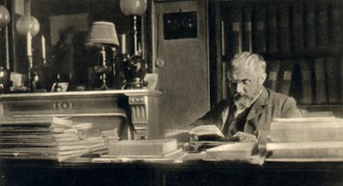 Henri Poincaré à son bureau