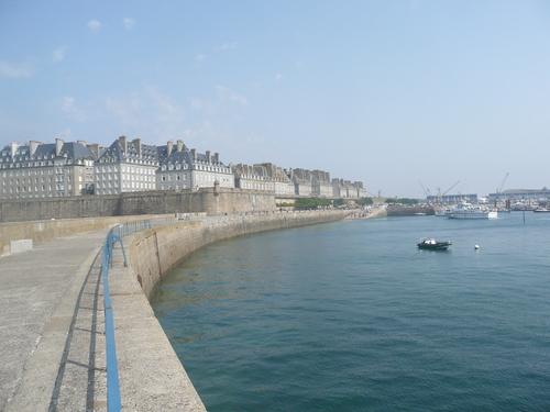dans les rues de St Malo
