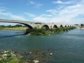 235-pont saint esprit