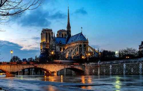 Notre-Dame de France...