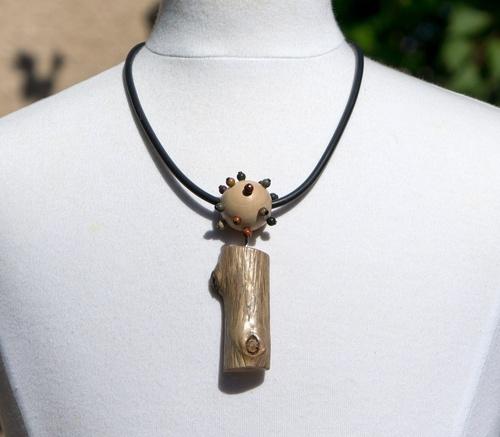 Pendentif en bois flotté et jaspe