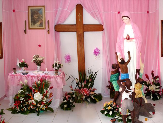 Abidjan : statue de la Vierge coule de l'huile