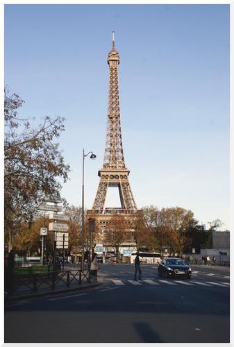 Tour Eiffel et sa future voisine