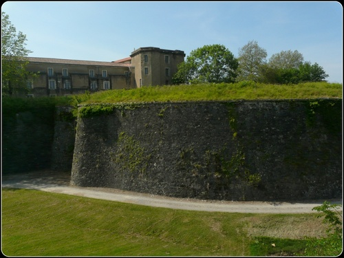 Remparts et Fortifications  (suite)