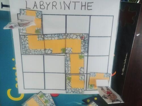 Le labyrinthe [jeu de repérage]