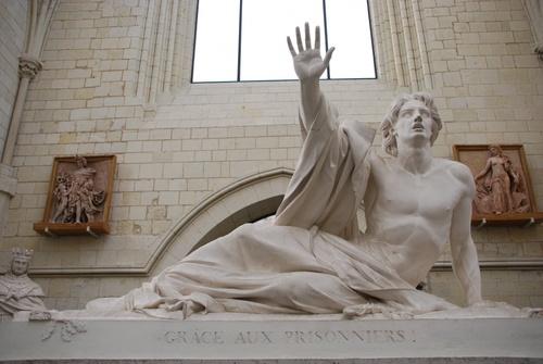Anzers: abbaye Toussaint et sa galerie David d'Anzers