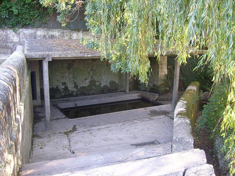 Nieul, fontaine Saint-Martin
