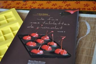 Un nouveau livre à ma bibliothèque: je fais mes tablettes de chocolat (Tome 2)