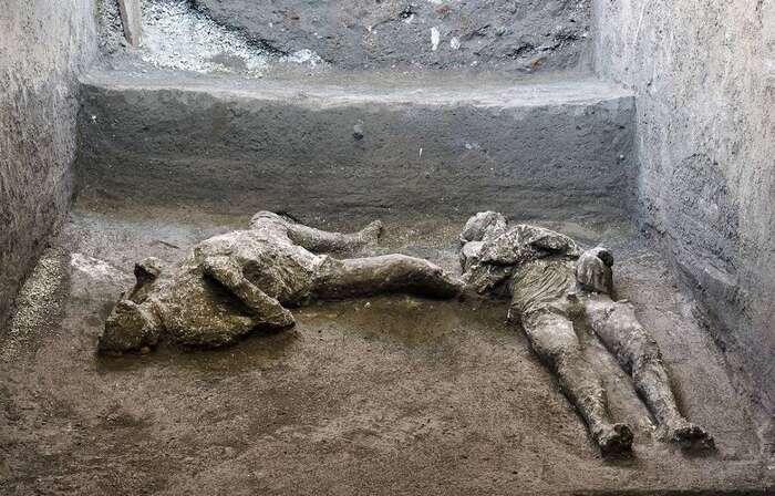 Pompéi : Les corps de deux victimes de l'éruption du Vésuve en 79 découverts et reconstitués