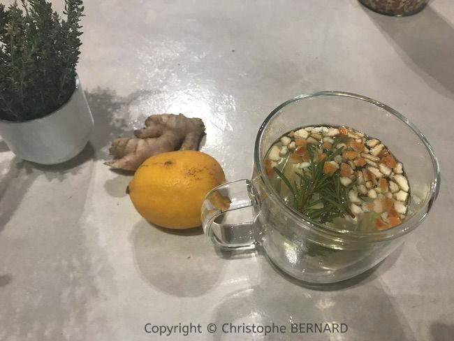 Les tisanes santé gingembre romarin citron