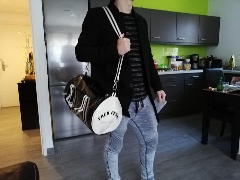 le fiston et son sac de sport