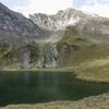Arrivée au lac de Maucapéra (2305 m), face à  l'objectif du jour