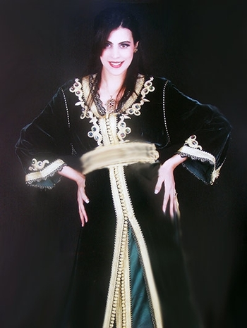 takchita marocaine haute couture brodé et perlage avec caftan marocain en velours TAK-S831
