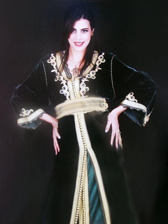 takchita marocaine haute couture brodé et perlage avec caftan marocain en  velours TAK-S831 6bd027db5d5