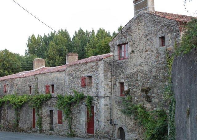 St Etienne-du-Bois (37)